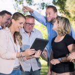 Smart phones take teams on adventure around their city